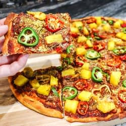 Thin and crispy pizza