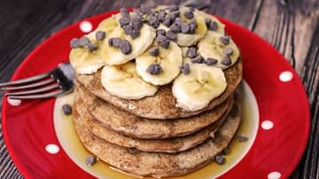 Fluffy Whole Wheat Vegan Pancakes