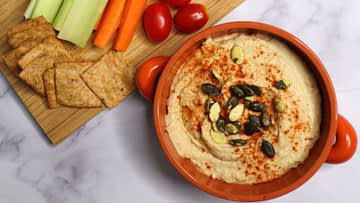 Heavenly Oil-free Hummus and vegetables