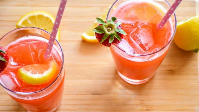 strawberry detox lemonade top down