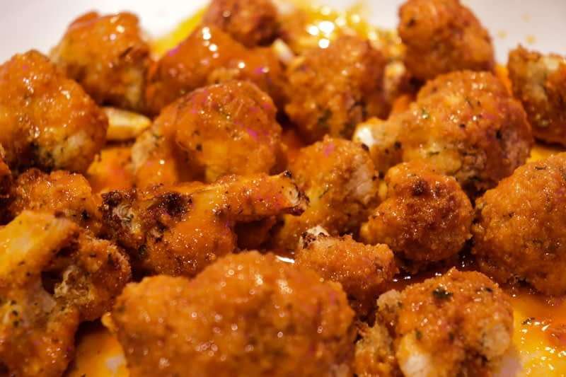 Crispy air fryer cauliflower close up