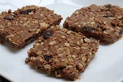 Tart cherry chocolate energy bars pic